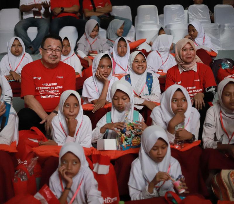 Langkah-Nyata-IndiHome-untuk-Indonesia_14701_M.jpg